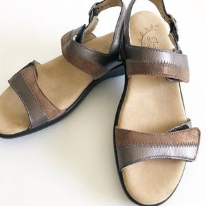 Sas Women's 7.5 Nudu Sandals Brown